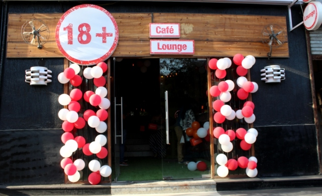 18+Cafe.JPG